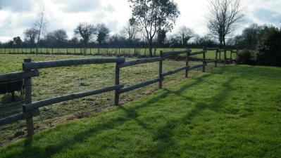 Piquet clôture lisse